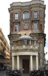 Palazzetto Zuccari, Il palazzo dei mostri