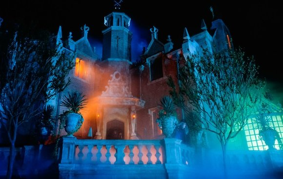 Walt Disney, la Haunted Mansion e il fantasma di Rasputin