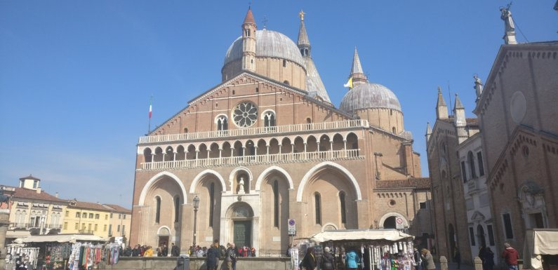 Ecce Crucem Domini, la preghiera di Sant'Antonio contro il maligno
